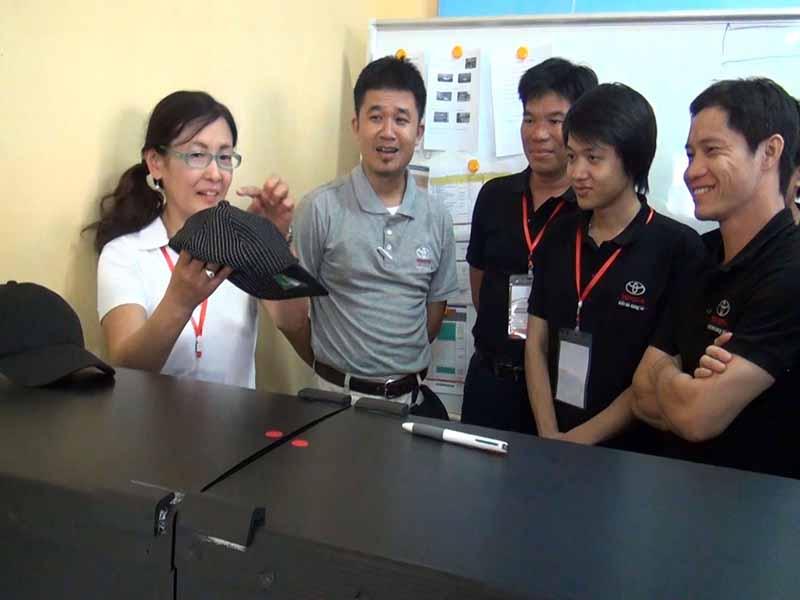 toyota-graduation-ceremony-at-the-first-vietnam-safe-driving-instructor-training-program-20160330-10