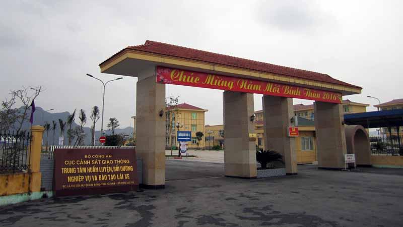 toyota-graduation-ceremony-at-the-first-vietnam-safe-driving-instructor-training-program-20160330-4
