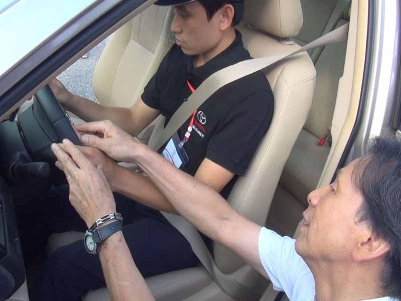 toyota-graduation-ceremony-at-the-first-vietnam-safe-driving-instructor-training-program-20160330-6