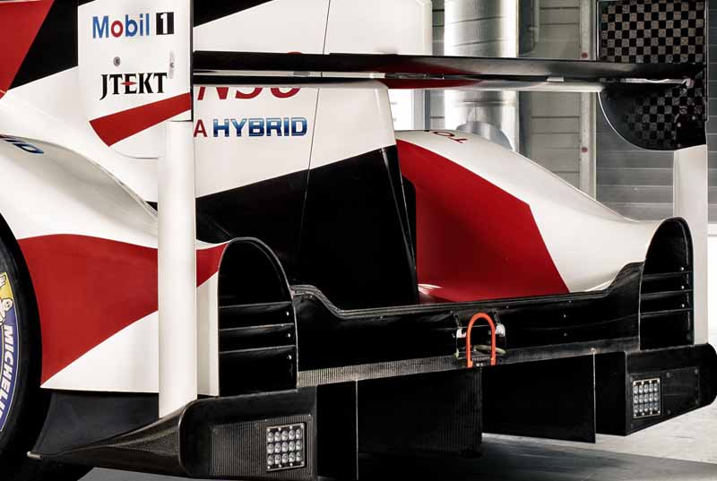 toyota-the-new-ts050-hybrid-announcement-challenge-the-wec-title-recapture-the-le-mans-win20160325-14