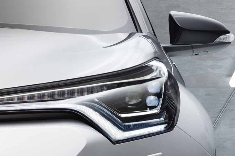 toyota-unveil-the-toyota-c-hr-commercial-type-at-the-geneva-motor-show20160303-8