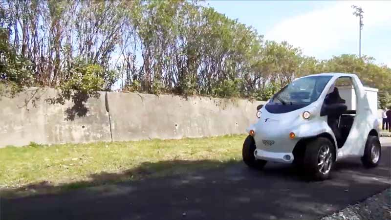 tut-and-taisei-corporation-the-worlds-first-successful-manned-powered-traveling-from-the-road-by-a-battery-less-ev20160319-6
