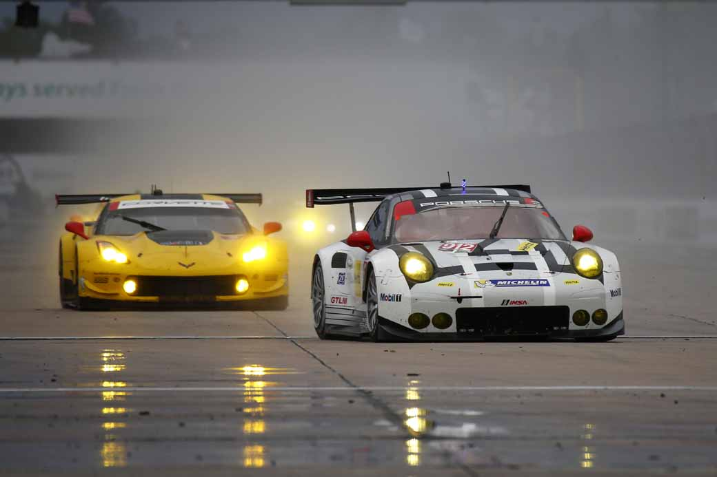 winning-the-porsche-911-rsr-in-third-place-in-the-long-distance-classic-of-the-us-and-florida20160323-10