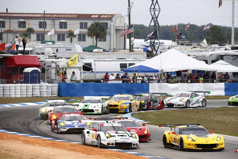 winning-the-porsche-911-rsr-in-third-place-in-the-long-distance-classic-of-the-us-and-florida20160323-24