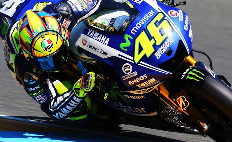 yamaha-and-motogp-rider-valentino-rossi-the-newly-agreed-upon-in-the-contract-renewal-of-2-years20160321-1
