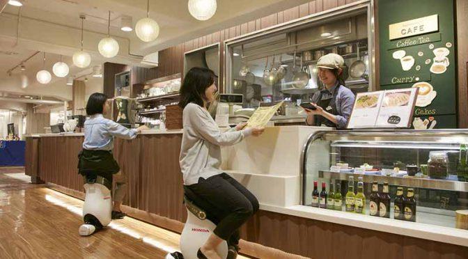ホンダ、パーソナルモビリティ「UNI-CUB β」、日本橋三越本店で常設乗車体験サービスを開始