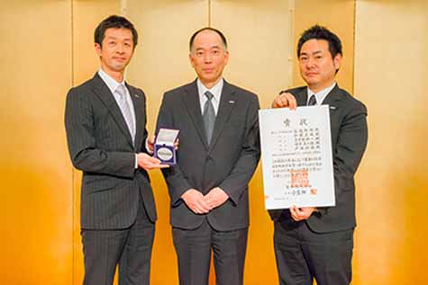 akebono-brake-winning-japan-society-of-mechanical-engineers-award-the-technology-in-the-development-and-mass-production-of-high-performance-car-brakes-for-commercial-road-cars20160425-1