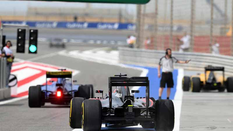 f1-bahrain-gp-held-early-mclaren-honda-camp-emerged-in-fp3-fastest20160402-19