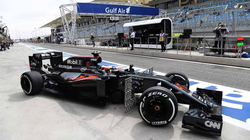 f1-bahrain-gp-held-early-mclaren-honda-camp-emerged-in-fp3-fastest20160402-26