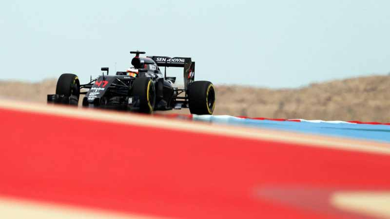 f1-bahrain-gp-held-early-mclaren-honda-camp-emerged-in-fp3-fastest20160402-6