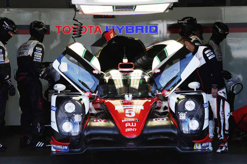 facing-the-toyota-gazoo-racing-wec2016-uk-debut20160412-4