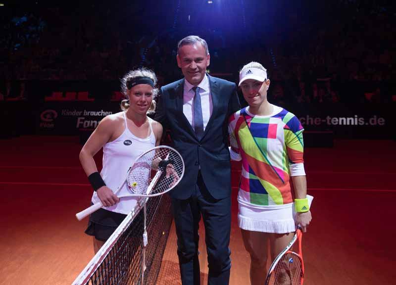 germany-porsche-ag-donated-to-underprivileged-children-30000-euros-tennis-tournament20160427-1
