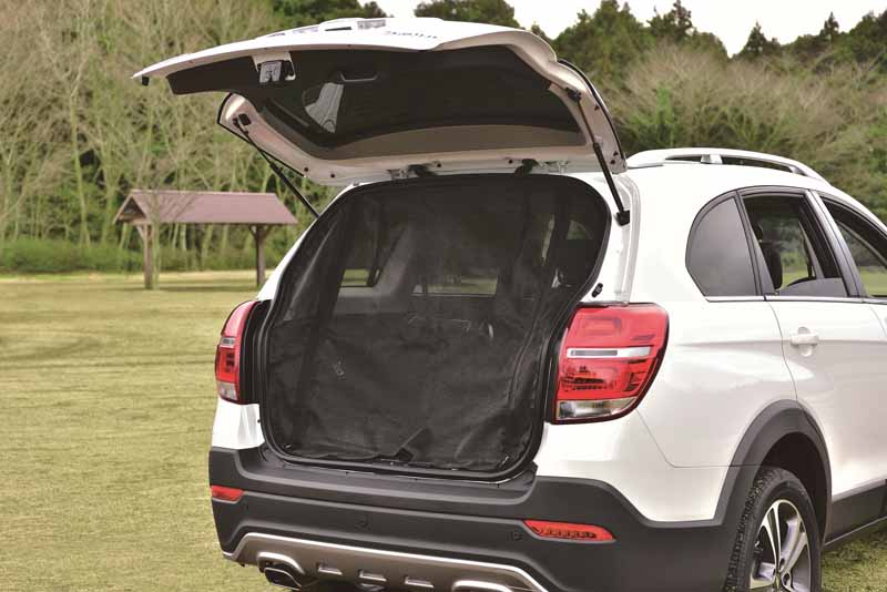 gm-japan-50-cars-limited-specification-sale-of-seven-seater-suv-chevrolet-captiva20160406-1