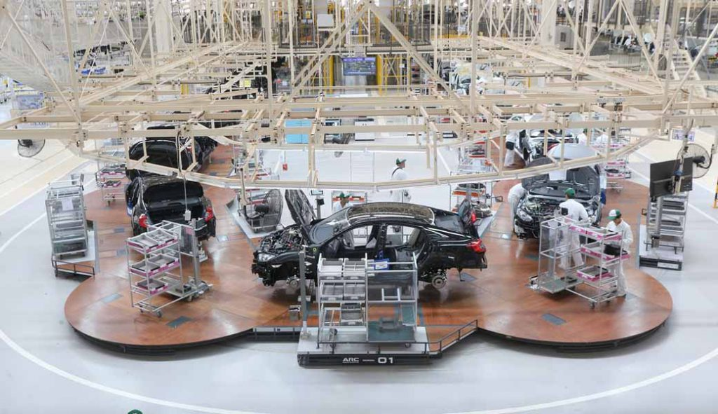 honda-developed-the-worlds-first-mass-produced-finished-vehicle-assembly-line-arc-line-introduction-to-thailand-four-wheel-new-plant20160421-1