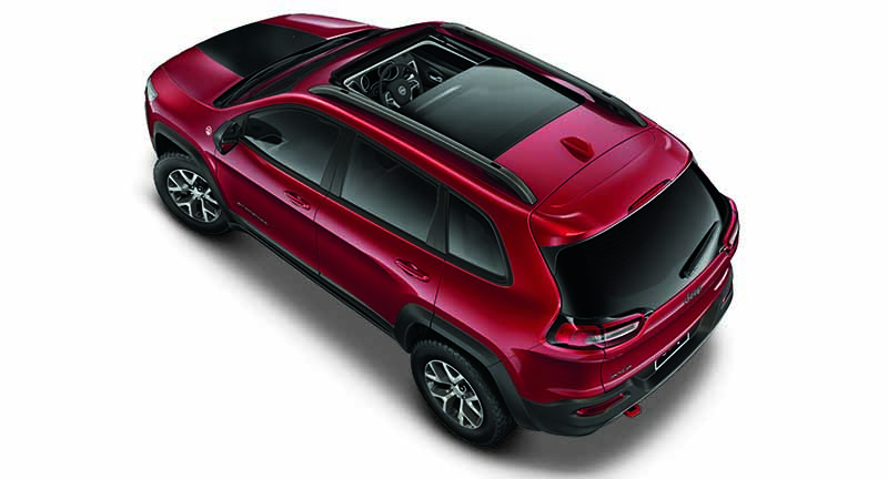 jeep-cherokee-in-japans-first-eco-car-tax-reduction-target-vehicle-as-us-gasoline-passenger-car20160419-15