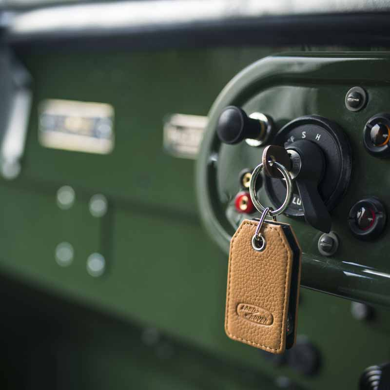 land-rover-classic-fully-restored-to-25-units-of-the-series-i-and-at-the-time-1948-specification20160421-3