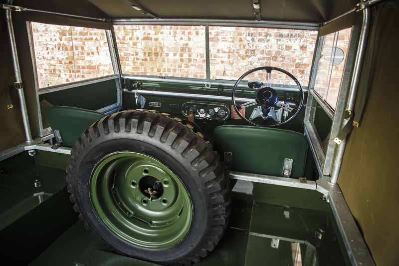 land-rover-classic-fully-restored-to-25-units-of-the-series-i-and-at-the-time-1948-specification20160421-5