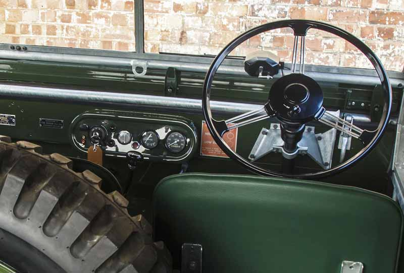 land-rover-classic-fully-restored-to-25-units-of-the-series-i-and-at-the-time-1948-specification20160421-7