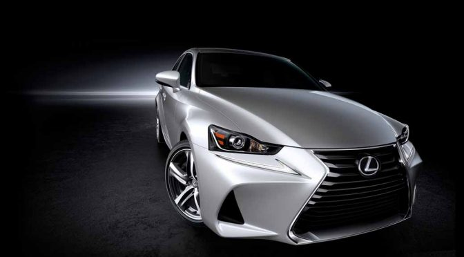 LEXUS、北京で新型「IS」を世界初披露。成長するNear Luxury市場獲得を目指す