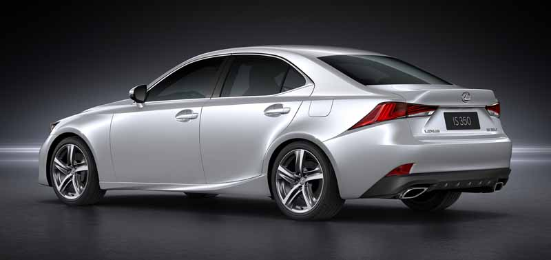 lexus-the-worlds-first-showing-off-the-new-is-in-beijing-aim-the-near-luxury-market-acquisition-to-grow20160426-15