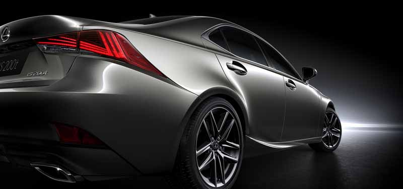 lexus-the-worlds-first-showing-off-the-new-is-in-beijing-aim-the-near-luxury-market-acquisition-to-grow20160426-5
