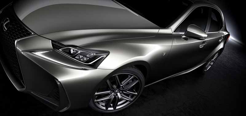 lexus-the-worlds-first-showing-off-the-new-is-in-beijing-aim-the-near-luxury-market-acquisition-to-grow20160426-6