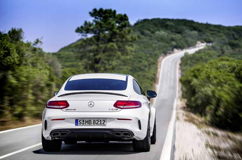 mercedes-benz-japan-the-new-mercedes-amg-c63-announced-two-models-of-the-coupe20160418-20
