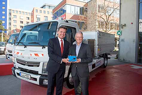 mitsubishi-fuso-electric-truck-canter-e-cell-zero-emissions-first-practical-test-trial-in-germany20160418-8