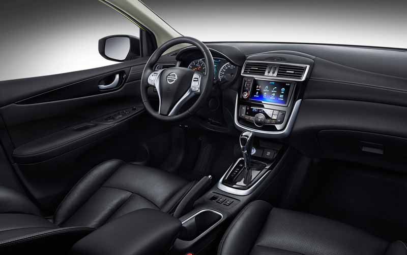 nissan-motor-co-ltd-chinas-first-published-the-new-tiida-in-beijing-sales-start-of-the-new-maxima-together20160426-5