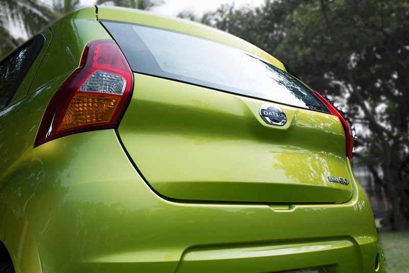 nissan-motor-co-ltd-india-from-datsun-brands-first-crossover-redi-go-public20160414-4