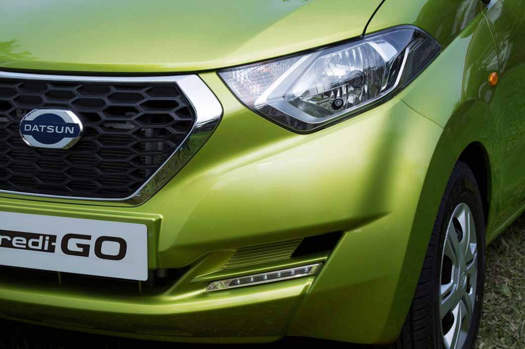 nissan-motor-co-ltd-india-from-datsun-brands-first-crossover-redi-go-public20160414-7