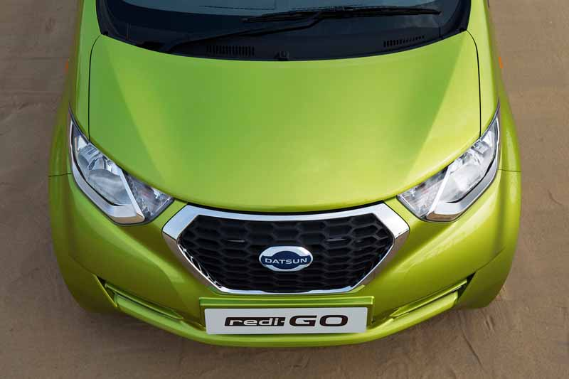 nissan-motor-co-ltd-india-from-datsun-brands-first-crossover-redi-go-public20160414-8