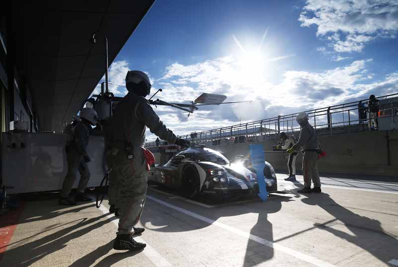opening-game-full-of-action-porsche-919-hybrid-the-provisional-winner-in-second-place-finish20160425-11