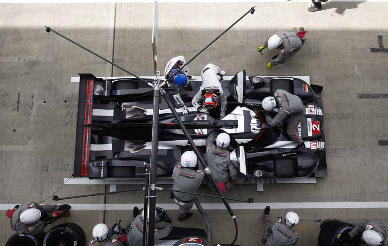 opening-game-full-of-action-porsche-919-hybrid-the-provisional-winner-in-second-place-finish20160425-13