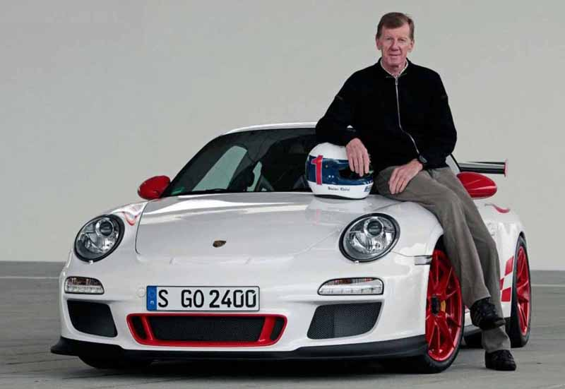 porsche-launched-a-state-of-the-art-tire-for-successive-historic-car-to-continue-to-penetrate-the-active-duty20160424-56