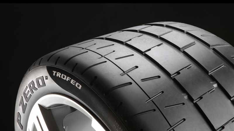 porsche-launched-a-state-of-the-art-tire-for-successive-historic-car-to-continue-to-penetrate-the-active-duty20160424-57