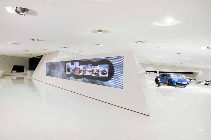 porsche-museum-achieved-300-million-people-visitors20160427-3