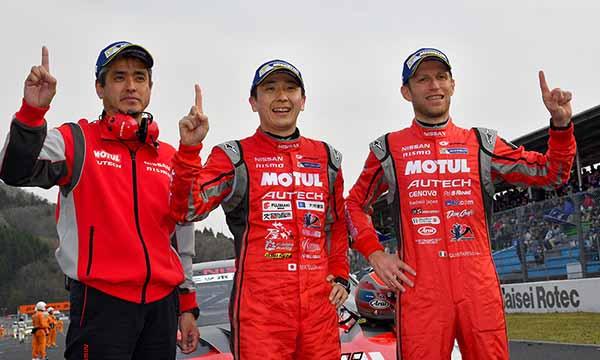 super-gt-first-leg-and-okayama-the-motul-autech-gt-r-win-the-fierce-battle20160411-1