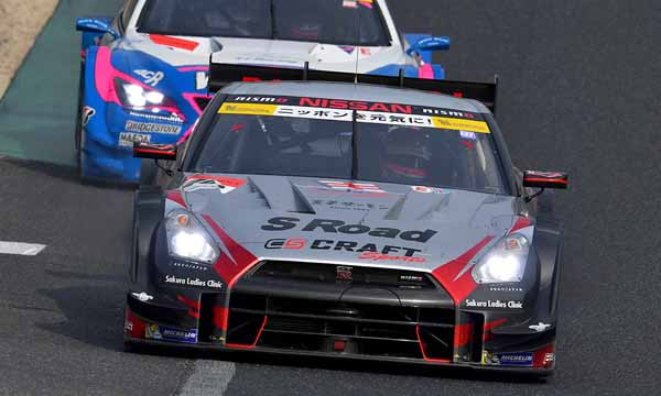 super-gt-first-leg-and-okayama-the-motul-autech-gt-r-win-the-fierce-battle20160411-5