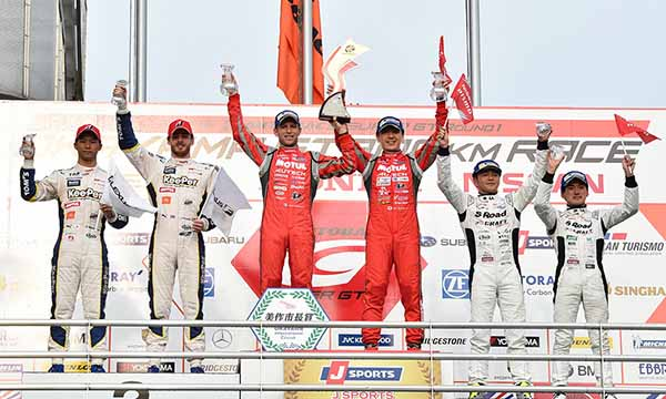 super-gt-first-leg-and-okayama-the-motul-autech-gt-r-win-the-fierce-battle20160411-7