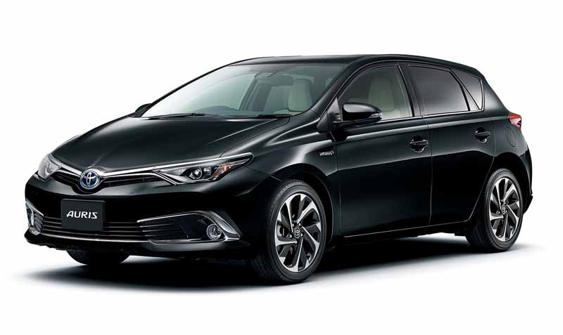 toyota-established-a-new-hybrid-grade-to-auris-expand-the-hv-to-18-models20160418-8