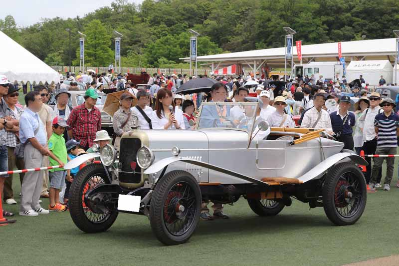 toyota-motor-corporation-the-27th-toyota-museum-classic-car-festival-held20160422-10
