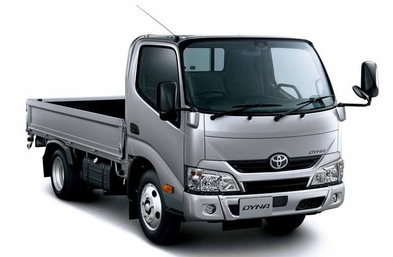 toyota-the-first-equipped-with-the-collision-damage-mitigation-to-dinah-and-toyoace-2t-product-system20160407-2
