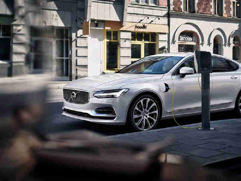 volvo-cars-to-one-million-units-sold-motorized-vehicle-in-2025-0429-1