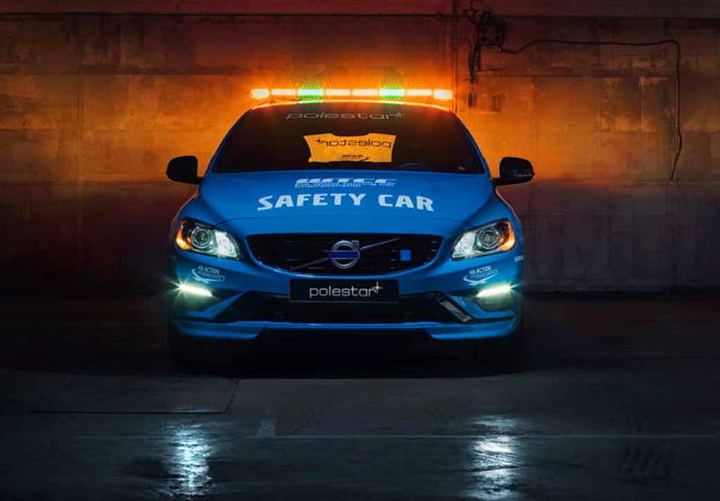 volvo-v60-polestar-debut-as-wtcc-history-most-secure-safety-car20160403-6