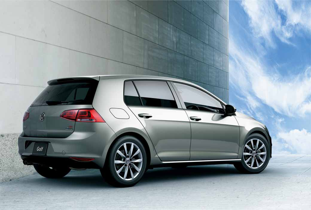 volkswagen-aims-to-customer-acquisition-in-equipment-completion-of-polo-·-golf-·-golf-variant20160517-1