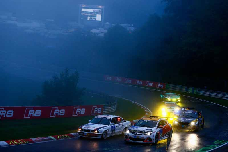 44th-nurburgring-24-hour-race-2016-final-mercedes-camp-is-higher-monopoly20160530-3