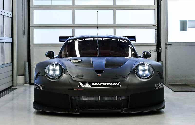 911rsr-successor-model-of-the-start-of-the-test-run-debut-scheduled-in-the-2017-24-hours-of-daytona20160513-3