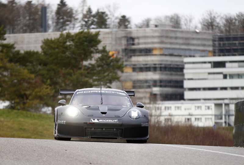 911rsr-successor-model-of-the-start-of-the-test-run-debut-scheduled-in-the-2017-24-hours-of-daytona20160513-4