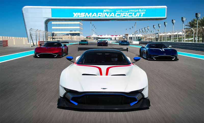 aston-martin-vulcan-appeared-in-the-collaboration-party-venue-of-the-b-b-italia20160519-2